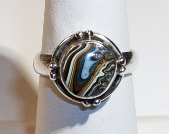 Vintage, Sterling Silver Ring upcycled with a Groovy 1960's, Detroit, Motor-City Agate, Fordite Cabochon ~ mrfeld ~ FR121