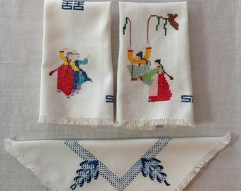 Vintage 1950's Cross Stitched Hand Towels with Tags (L-39)