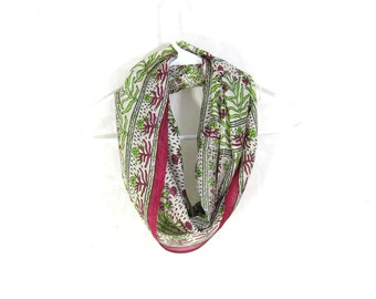 Sari Silk Infinity Scarf Floral Scarf Spring Scarf Summer Scarf Lightweight Scarf Silk Scarf Upcycled Scarf Eco Fashion Magenta Gift for Her