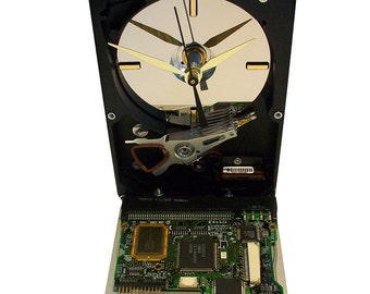 Hard Drive now a Clock with Rare Circuit Board Accenting the Base. Got Geek Friend Gift? FREE SHIPPING USA!