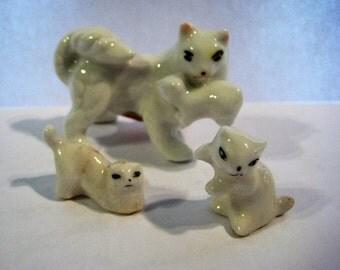 Miniature Cat Family,Miniature Bone China Cat Family,Miniature Mother Cat and Her Babies made of Bone China,Bone China Miniature Cat Family