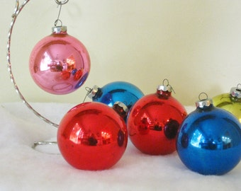 Collection of 6 USA Vintage Solid Color Christmas Balls, Christmas Tree Ornaments, Red Gold Pink Blue Round Mid Century Holiday Decorations