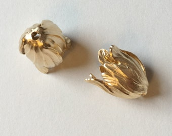 Matte Gold End Caps, 20x17mm Matte Gold Plated Brass End Caps, Blooming Tulip 2 piece Set, End Caps, Made in the USA