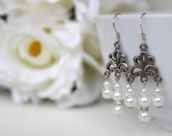 Chandelier glass pearl bridal earrings.