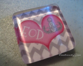 EOD 1 inch Glass fridge magnet -EOD pink heart with Master Badge Kitchen Magnet, memo board magnet