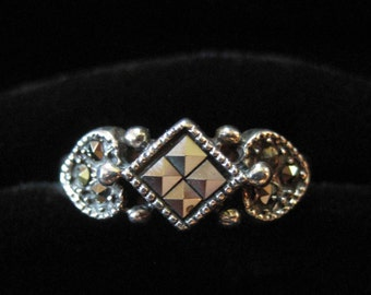 Sterling Silve Marcasite Ring, Heart and Square Pattern Size 7