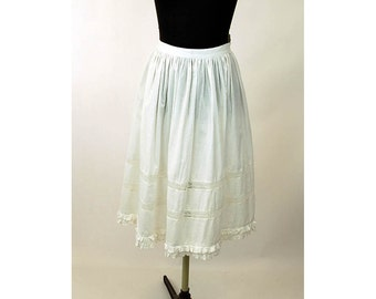 1970s peasant skirt white cotton with lace inserts tiered skirt boho hippie skirt Made in India Size M