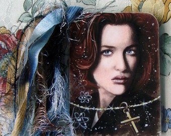 The Truth Is Out There - Fox Mulder & Dana Scully - The X Files Traditional Art - Laminated bookmark with ribbons - Hand Signed