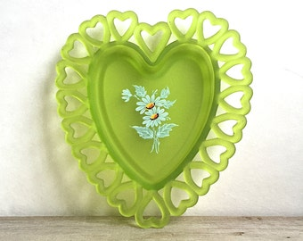 Westmoreland Green Frosted Satin Glass Heart Lace Edge Dish Hand painted Daisies