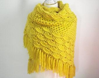Crochet shawl in Mastard