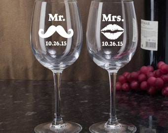 Personalized Etched Wine Glasses, Mr Mrs Wine Glasses, Lips Mustache Glasses, Bride and Groom Gift, Etched Wedding Glasses, Anniversary Gift