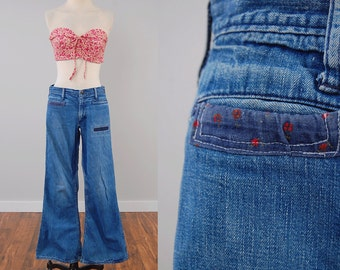 Vintage 60s 70s LANDLUBBER patched denim bellbottoms / Hippie bell bottom jeans / Low rise hip huggers / 29 waist by 29 inseam