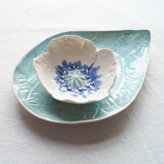 Porcelain POPPY bowl and leaf platter set, nesting bowls white aqua cobalt blue ceramic glazes sculpted flower leaf pattern plate