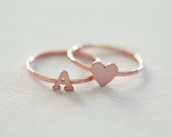 rose gold initial ring and heart ring set, monogram love rings, couple rings, dainty ring - pink gold filled
