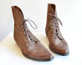 Vintage 1980s LEATHER ankle boots / 8
