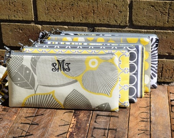 Set of Monogrammed Bridesmaids Wristlets, Yellow and Gray Custom Made Wristlets, Yellow and Grey Bridesmaids Gifts,  Yellow/Gray Bags