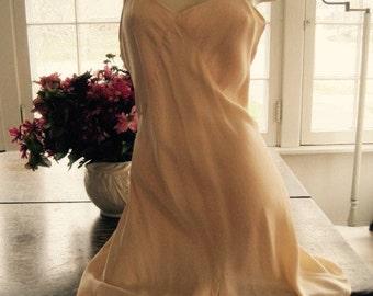 Vintage 1930's Peach Silk Barbizon Teddy Size 36 Wedding Lingerie...Bridal Wear...