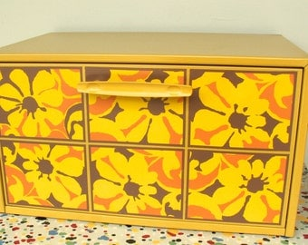 Retro Floral Bread Box