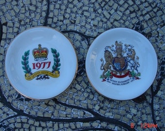 Queen Elizabeth II Silver Jubilee 1952 - 1977 - Pall Mall Ware Collectible Porcelain Display Dishes