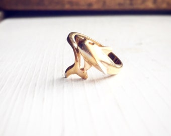 Vintage Gold Dolphin Ring / Size 5 Wrap Style / Perfect as Midi or Regular Ring / Beach Lover Gift / Ocean Florida / Boho Bohemian Style