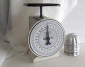 Farmhouse Kitchen Scale Black and White Hanson Scale Vintage Utility Scale Model 2000