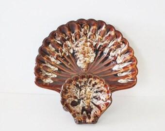 50% half off sale // Vintage Kingwood Ceramic Seashell Chips and Dip Platter - 50s 60s - Made in Amerca Grape Leaf Pattern