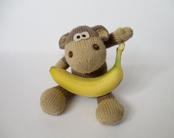 Max the Monkey toy knitting pattern