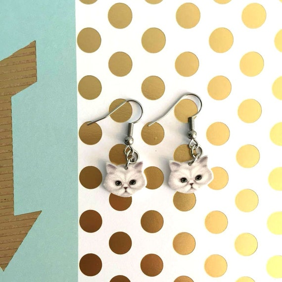White persan cat earring,  plastic, white, stainless steal hook, metal stainless ring, handmade, les perles rares