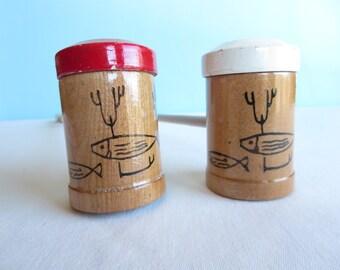 Vintage Wooden Salt Pepper Shakers - Bar-B-Que Salt and Pepper Shakers