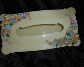 x Nice Kitchy 40's acrylic tissue box holder with Lovely Shell Flowers (FF052616-01)