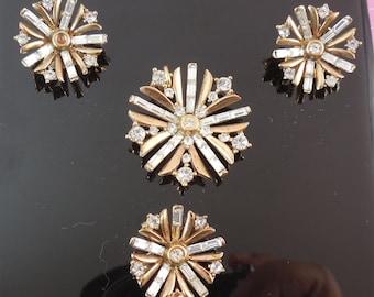 Vintage Trifari Pat Pend Rhinestone Jewelry Set - Earrings Brooch Pendant