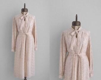 1960s beige VINTAGE fully embroidered applique ascot tie dress sz L