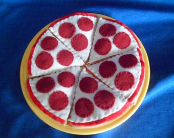 Felt play food Hand Stitched  pepperoni whole pizza (6 Pieces)