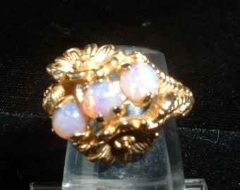 Vintage AVON Foil Glass Cabochon Ring Size 7 Beautiful Flower Design Gold Plate Looks Like Opals