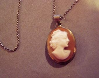 Vintage 800 Silver Genuine Carved Shell Cameo Pendant on Sterling Silver Chain 8283