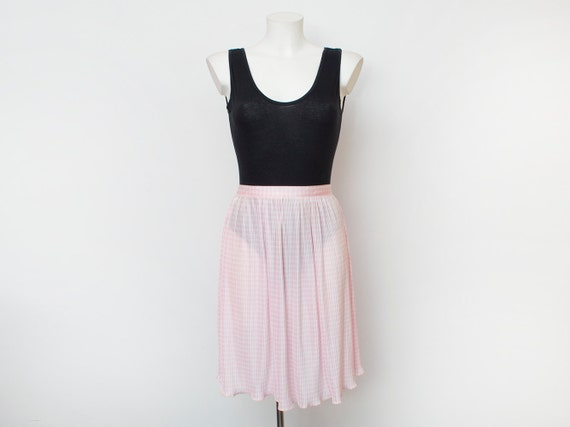 Pink skirt Dead stock  vintage Size S M