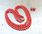 vintage coral jewelry set - 1950s coral bead/18k gold necklace & earrings set