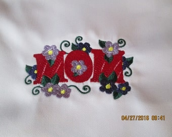 MOM  apron-embroidered