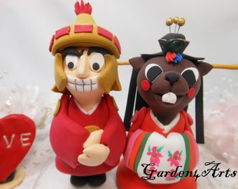NEW--Wedding Cake Topper-Custom love MASCOT couple with Korea costume and circle clear base