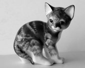 Cat Figurine, Made in Russia, Cat, Ceramic, Porcelain, Collectible Russian Figurine, Kitten, Glazed.,