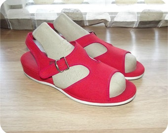 Vintage 50s Sandals | 1950s Shoes | T-Strap Wedges | Open Toe | Red Canvas | Daniel Green | Size 6.5 | Pin-Up Swing Rockabilly VLV