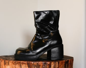 90s Grunge Sketchers Black Chunky Platform Zip Up Faux Leather Ankle Book. US Size 6.5