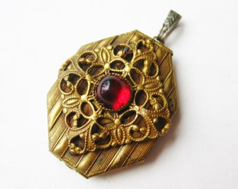 Antique Victorian Gold Red Czech Glass Sweetheart Photo Locket Pendant Necklace