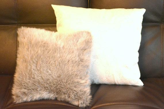 oreiller de coussin gris fausse fourrure fausse fourrure. Black Bedroom Furniture Sets. Home Design Ideas