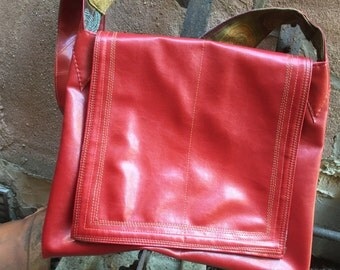 Red messenger with 50's lining