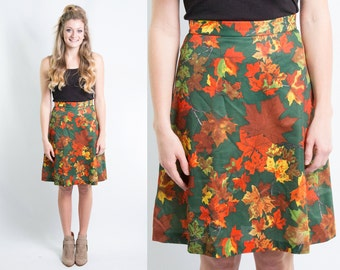 Vintage Maple Leaf Print Skirt * Green Orange Rust Red Yellow Changing Fall Leaves * 70s Knee Length * Novelty Print * Kitsch Retro Sz XS