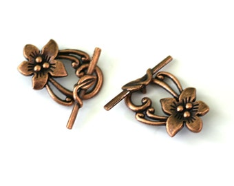 Copper Flower Clasp. Antique Copper Toggle Clasp. Copper Peach Flower. Antique Copper Jewelry Findings. 30mm x 20mm Toggle Clasp // ACPFTC