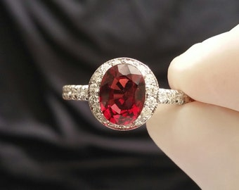 Luxurious Garnet and Diamond ring Garnet Engagement Ring