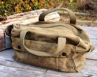 Army Duffle Bag Toiletry bag, Cargo Pockets, Military Bag, Shave Kit, Military Duffle Bag, Authentic, Vintage Military, Vietnam,