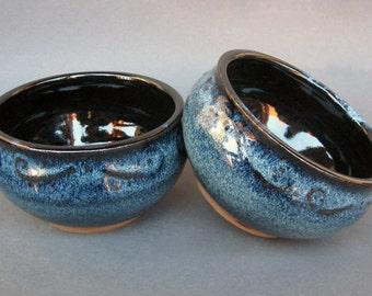 Set of 2 Snack Serving Bowls Black Blue Speckle Swirl Rim